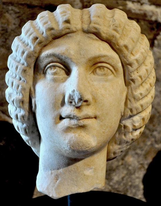 Netherlands: Dutch return looted 2nd century marble head to Italy