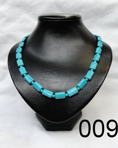 sch ne damen kette halskette perlenkette aus t rkis stein. Black Bedroom Furniture Sets. Home Design Ideas