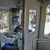 車長叫我們到火車最前面的「豪華廂座」拍照。當然沒開閃光燈囉!