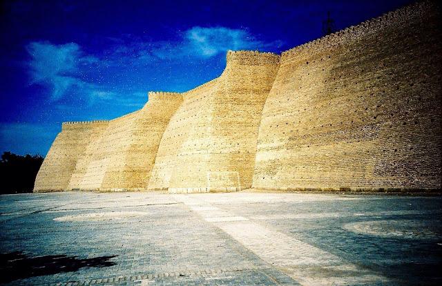 Murallas de la Fortaleza Ark en Bujará - www.Historiadelascivilizaciones.com