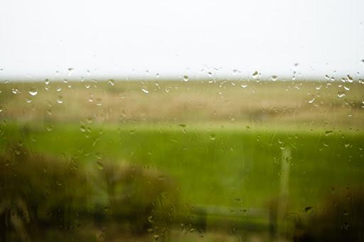 Ankunft im Regen