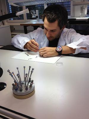 Тимо Глок собирает часы 26 января 2012