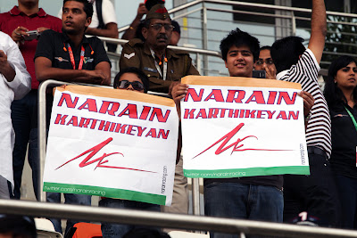 болельщики Нараина Картикеяна на Гран-при Индии 2011