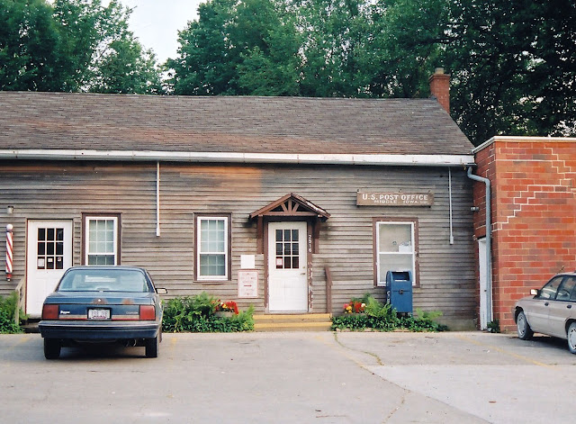 Middle [Amana], Iowa post office, 2003
