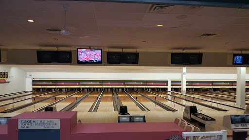 Scottsdale Bowling Lanes, 12033 84 Ave, Surrey, BC V3W 3N4, Canada, Bowling Alley, state British Columbia