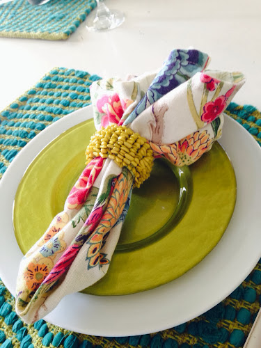 Lime green, tablescape, pier 1, www.thestylesisters.blogspot.com