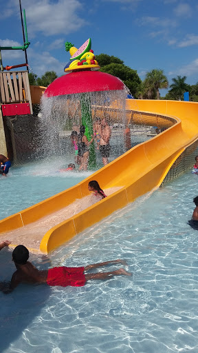 Water Park Paradise Cove Waterpark In C B Smith Park Reviews And