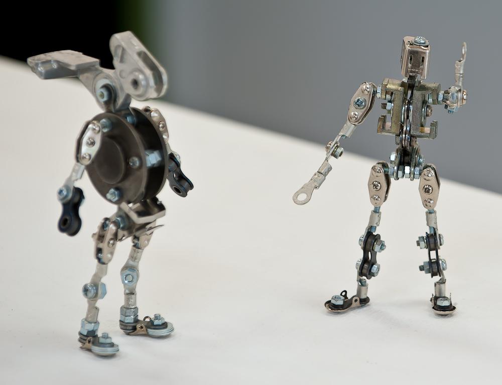 картинки как сделать робота из подручных средств