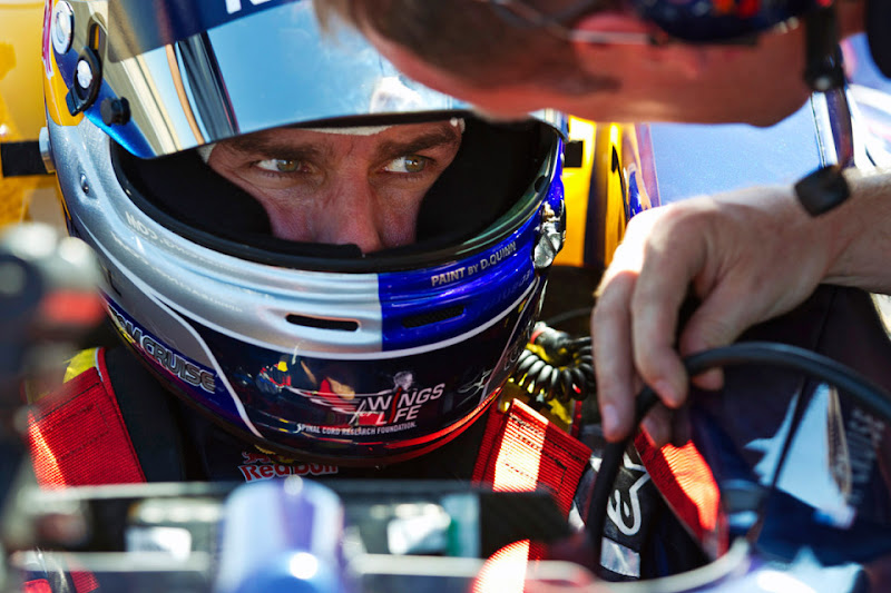 Том Круз в кокпите Red Bull на трассе Willow Springs Raceway 15 августа 2011