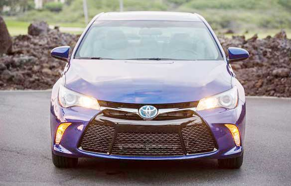 2016 Toyota Camry Hybrid review (excellent ride quality)