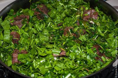 тушеная говядина с зеленью
