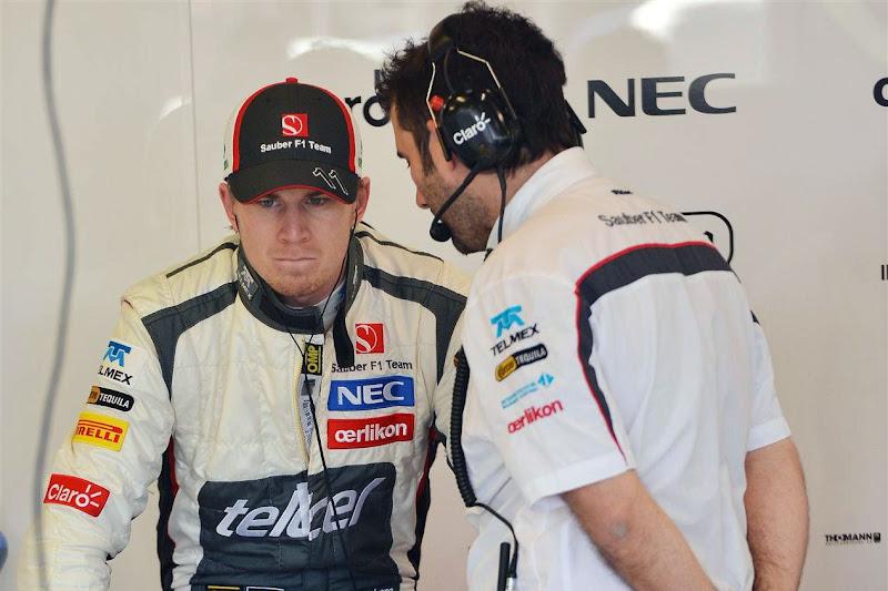 Нико Хюлькенберг и механик Sauber на Гран-при Австралии 2013
