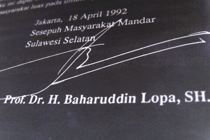 sambutan baharuddin lopa buku lontarak pattodioloang