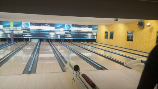 Champlain Bowlarama, 476 Gauvin Rd, Dieppe, NB E1A 1M8, Canada, Bowling Alley, state New Brunswick