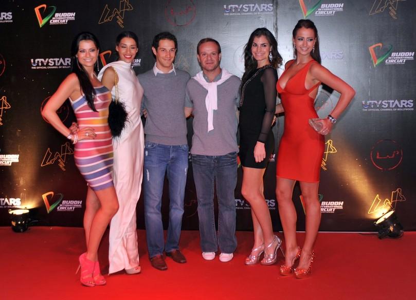 Бруно Сенна и Рубенс Баррикелло в окружении девушек на афтерпати Гран-при Индии 2011