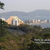 遠遠望見黃金海岸酒店。