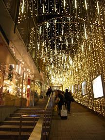 新宿ミロード・モザイク坂のクリスマスイルミネーション
