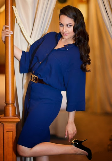 Sonakshi Sinha Beautiful Pic In Blue Dress