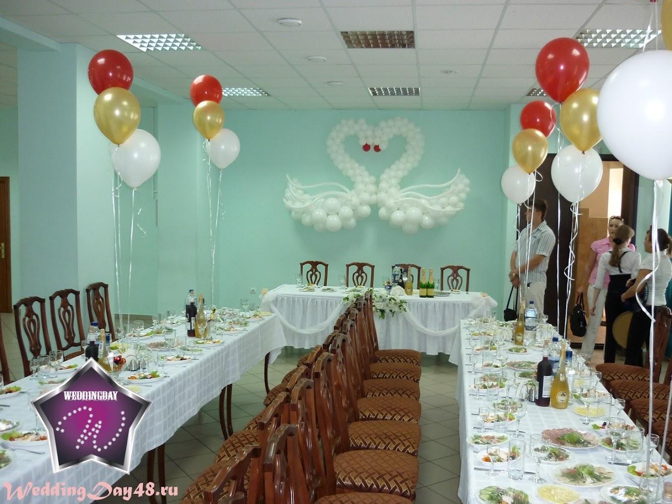 Как и чем можно украсить зал для свадьбы своими руками фото