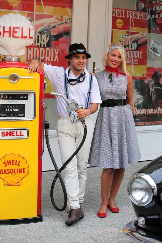 Фелипе Масса с девушкой на спонсорском мероприятии Shell в духе 50-ых перед Гран-при Бельгии 2013