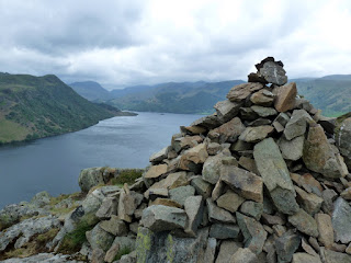 Cairn above Yew Crag ... looking up Ullswater to Glenridding.