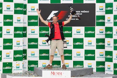 фотограф на подиуме Гран-при Бразилии 2011