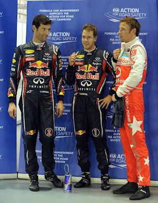 Марк Уэббер, Себастьян Феттель и Дженсон Баттон после квалификации на Гран-при Сингапура 2011