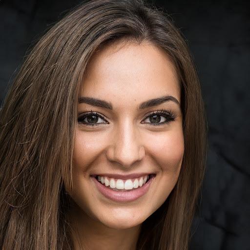 Essays Com