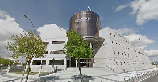 Ertzaintza, Portal de Foronda Kalea, 41, 01010 Vitoria-Gasteiz, Araba, España, Comisaría de policía | País Vasco