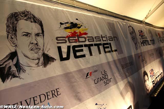 принты пит-бордов для табличек над боксами пилотов на Гран-при Канады 2011