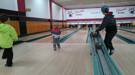 Strand Bowling Alley, 133 Main St, Sydney Mines, NS B1V 2L9, Canada, Bowling Alley, state Nova Scotia