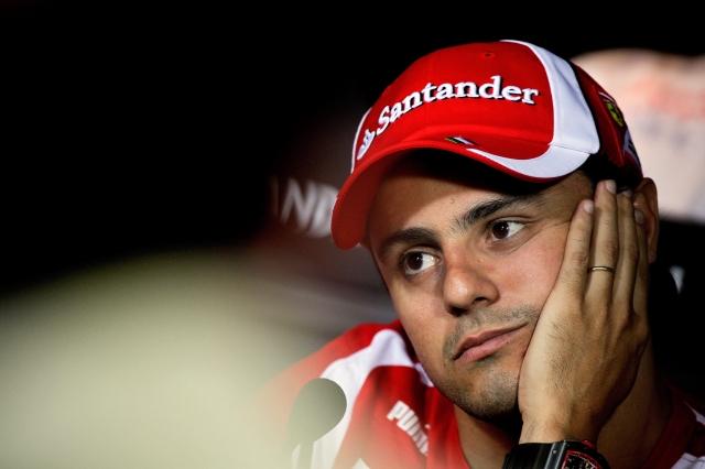 Фелипе Масса фэйспалмит на пресс-конференции Монцы на Гран-при Италии 2011