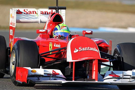 фотошоп Ferrari с носовым обтекателем в форме кепки Фернандо Алонсо на предсезонных тестах 2012 в Хересе 7 февраля 2012