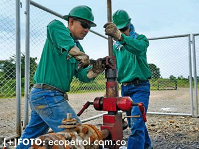 Resultado de imagen para trabajadores de ecopetrol en santander