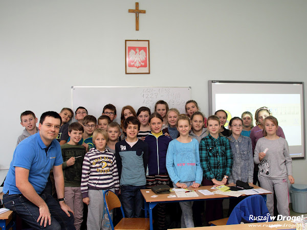 Maciej z młodzieżą na Warsztatach Kaszubski Szlak