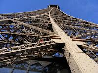 La altura desde la segunda planta y la cima de la torre es considerable