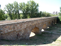 Forma parte de la Vía Romana que unía las ciudades romana ahora conocidas como Mérida y Astorga