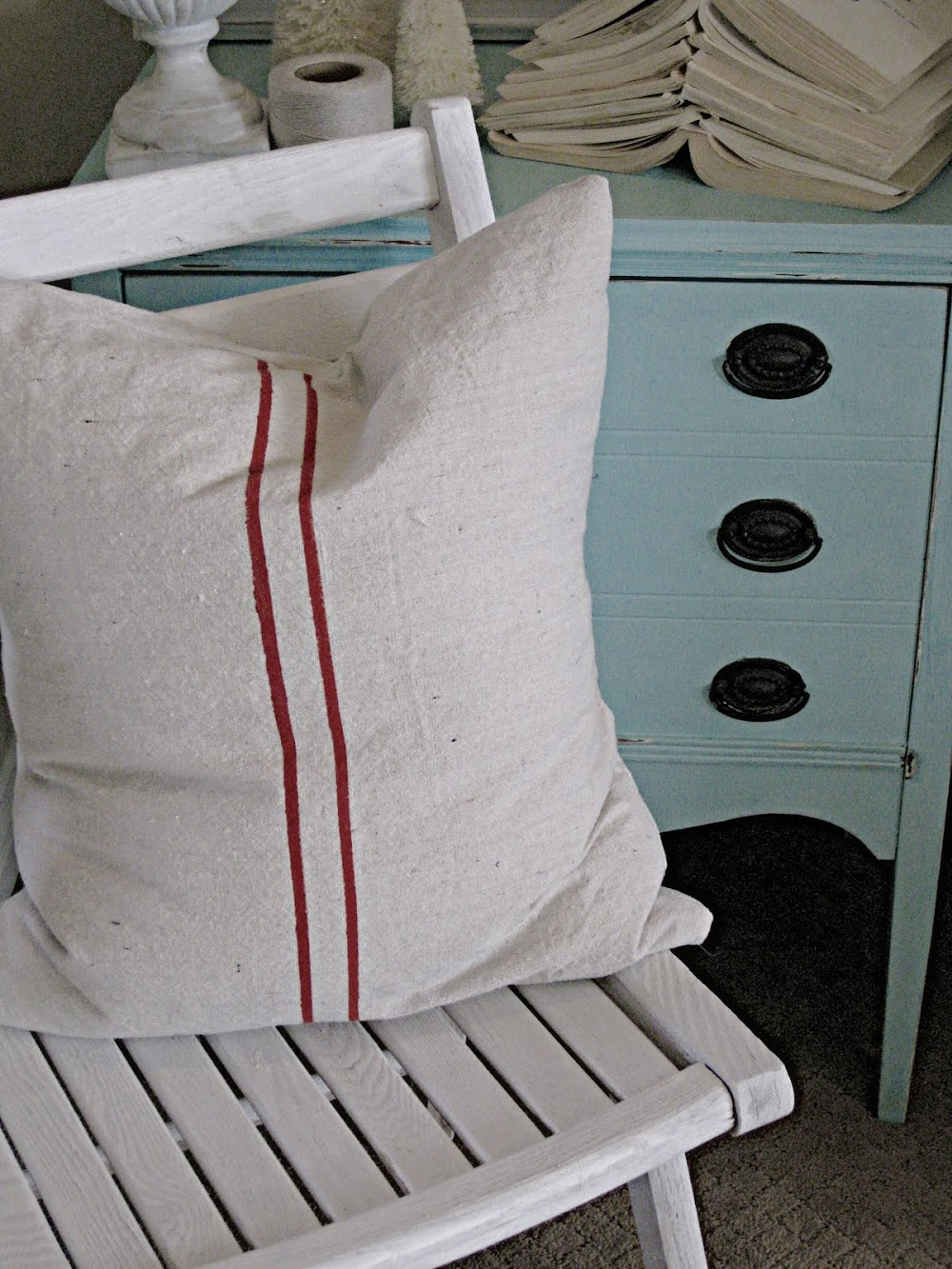 Faux Grain Sack Pillows & Runner