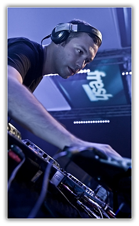 Nic Fanciulli - Worldwide Sounds (22 Feb. 2010) :: Guestmix Alex Niggemann