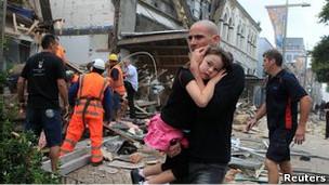 Muchos científicos sostienen que es imposible predecir terremotos debido a la naturaleza cuasi-aleatoria del fenómeno.