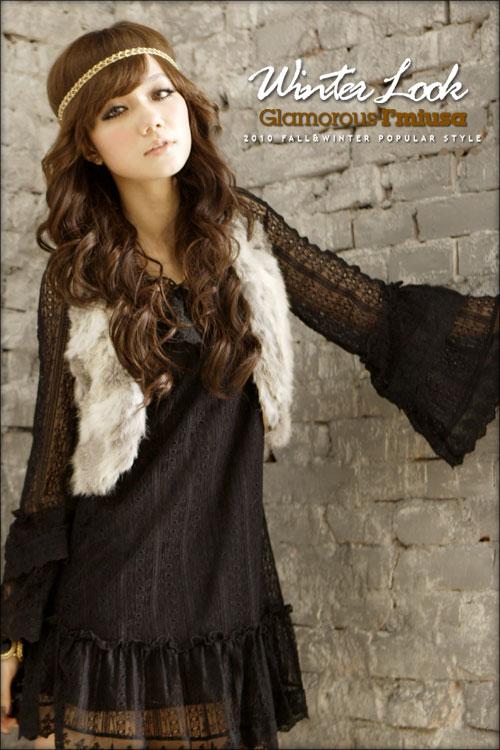 Короткое кружевное платье с длинными рукавами.  Материал: хлопок+кружево.