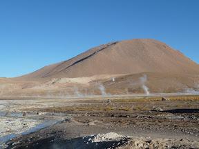 Les geysers après le lever du soleil