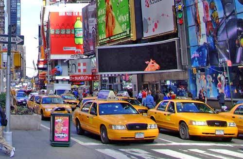 http://lh6.googleusercontent.com/_uNPSjRtrQS0/TbWumcsXctI/AAAAAAAAAJo/5CJVippMMdk/taxis-new-york.jpg