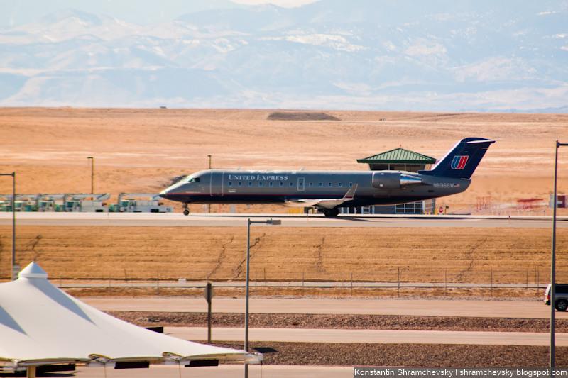 USA Colorado Denver International Airport Bombardier CRJ-200ER United Airlines N936SW United Airlines США Колорадо Денвер Международный Аэропорт Бомбардье Си Ар Джей 200 Е Ар Юнайтед Эйрлайнз