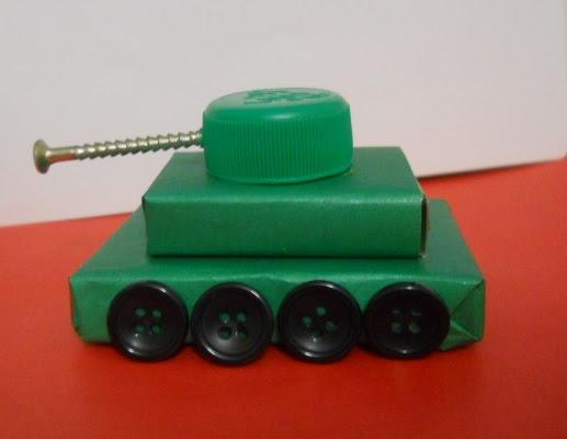 Как сделать танк из спичечных коробков своими руками