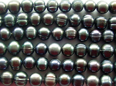 Metallic Jeweltones Pearls