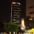 10 Taichung, hotel ONE v noci - v ňom sme boli ubytovaní počas výstavy.JPG