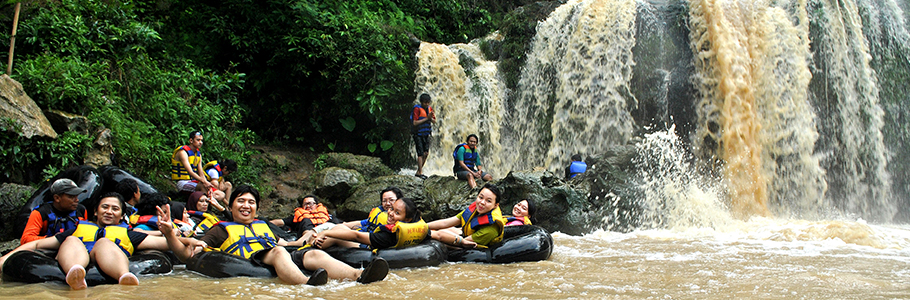 river tubing di sungai Oyo