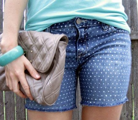 Customização de short jeans com bolinhas
