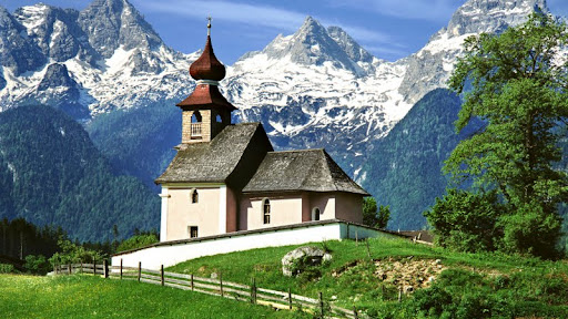 Auer Church, Lofer, Austria.jpg